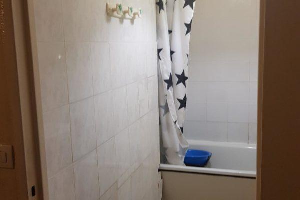 Vous voulez budgétiser la rénovation de votre salle de bains ? Vaste programme ! Travaux, mobilier, revêtement de sol, équipement...